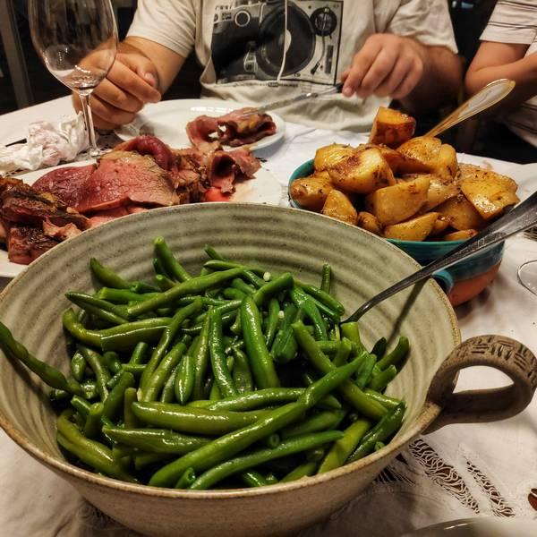 הזמנת ארוחות משפחתיות